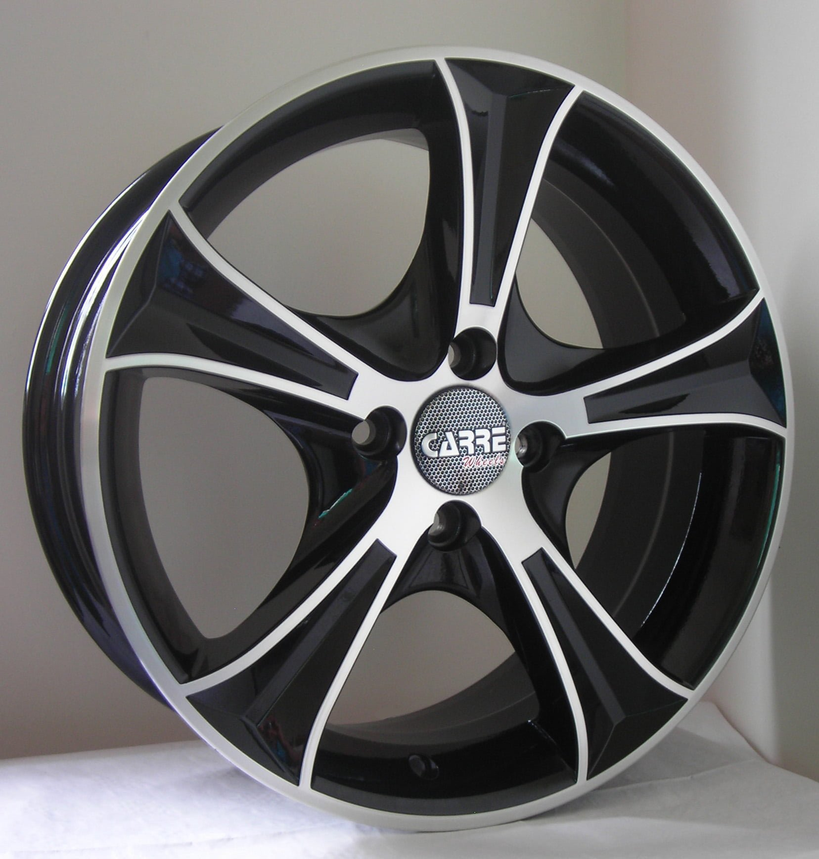 Alloy Wheels vs Normal Wheels